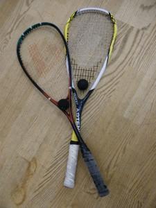 Squashschläger mit Ball